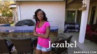 Black newcomer Jezabel Vessir shagged with a big white dong
