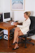 hairy mature secretary with slammin legs leaves you a note