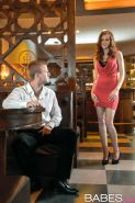 Linda Sweet gets boned by a guy in the pub