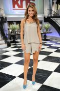 Maria Menounos cleavy and leggy in a tiny gray outfit while co-hosting on KRIS T