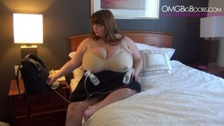 Busty Lexxxi Luxe milking giant tits with breast pump