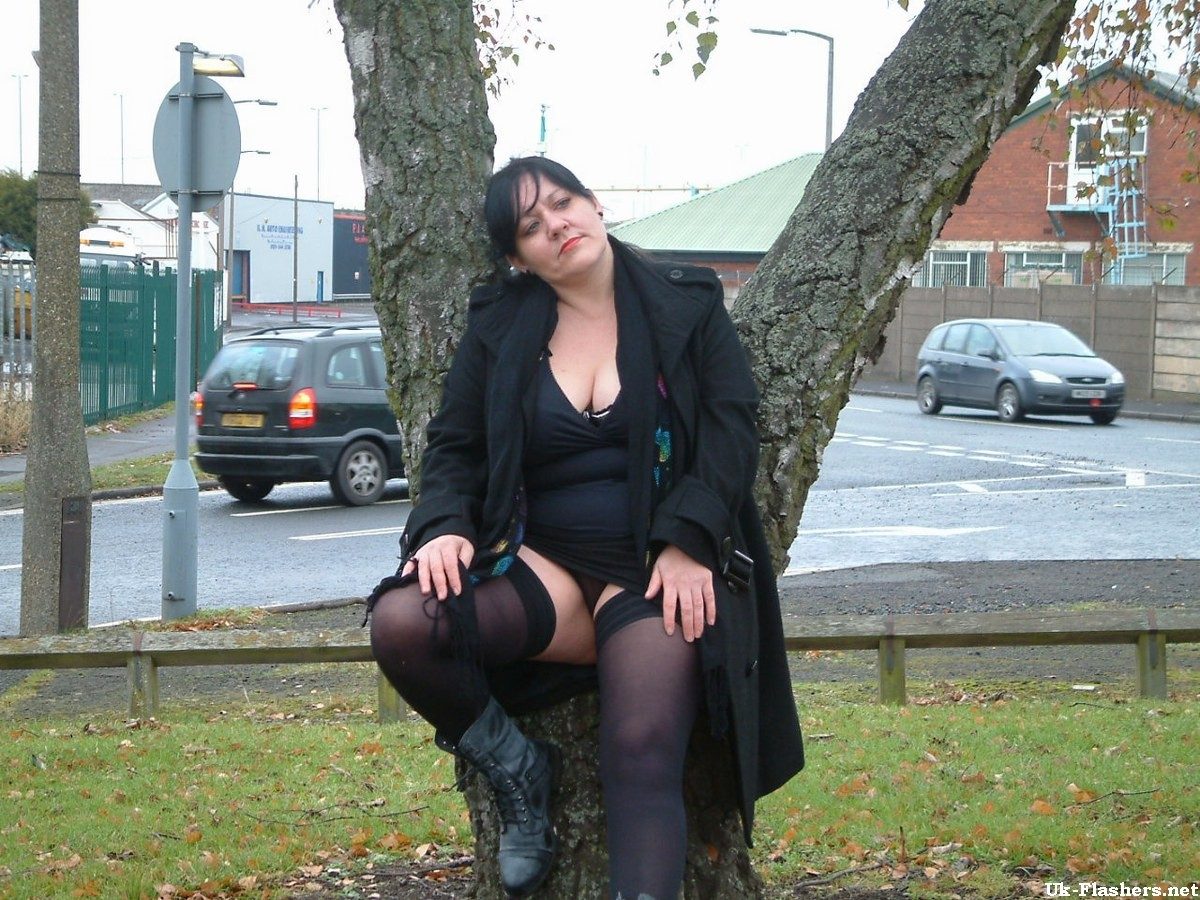 Mature Andreas bbw flashing and busty amateur babes public nudity in Birmingham  #75511995