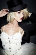 Cameron Diaz in very hot Davis Factor photoshoot and outtakes