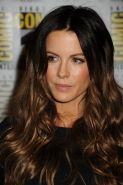 Kate Beckinsale leggy wearing black mini dress at Comic-Con in San Diego