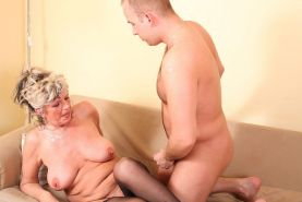 Sexy granny lady sucking and fucking hard cock