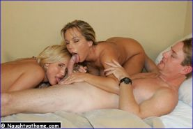 Hot babes in amateur FFM threesome