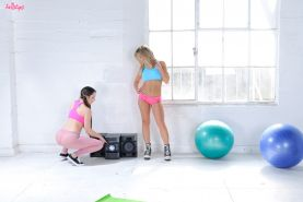 Aubrey Addams and Lola Foxx share their trainers cock in the gym
