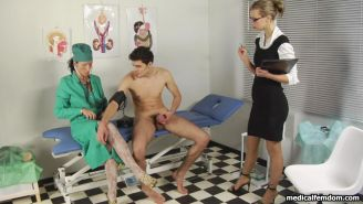 Risky weight game at a femdom medical exam