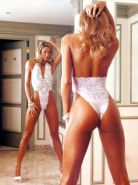 Stacy Keibler shows its convenient ext body