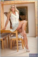 Naughty cougar Amber Lynn seduces the newspaper delivery guy