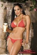 NIna Mercedez lets Ice Cream drip all over her pretty latina pussy