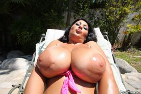 Hot mommy shows off her huge melons before getting boned