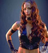 Jennifer Garner looking sexy in black lingerie and posing as Electra for some ph