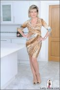 Fully fashioned seamed nylons and high heels leggy mature sonia