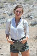 Cute hiker takes all her clothes off in Arizona desert