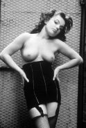 spice girl geri halliwell in nude pics before she was famous