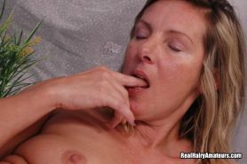 Hairy Pussy Amateur Gets Pounded #67556551