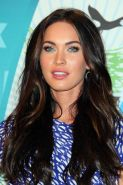 Megan Fox leggy wearing mini skirt  high heels at Teen Choice Awards 2010