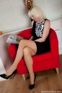 business woman masturbates in Wolford holdup stockings