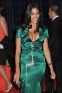 Rosario Dawson shows huge cleavage in evening dress