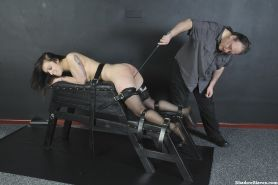 Slave Beauvoirs amateur spanking and hellpain whipping