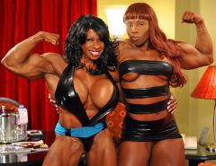 Black muscle Mistress shows off her perfectly built ripped physi