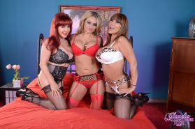 I'm here with 2 other sex pots, Sexy Vanessa and Ava Devine