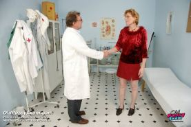 Old Mila pussy gyno fetish doctor gyno exam at clinic