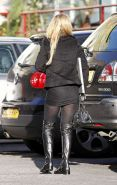 Geri Halliwell on street in mini skirt showing her nice ass and sexy legs