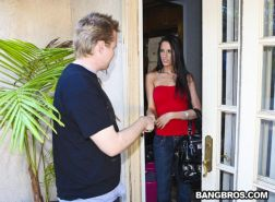 Pornstar Kortney Kane cheating right on a date