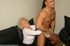 Old granny gets fucked