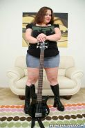 BBW Princess Lissa Posing Naked with Her Guitar