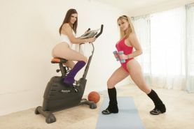 Aline and Bobbi Star give their asses a work out