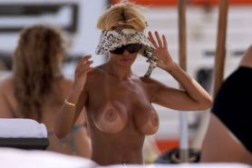 Shauna Sand Topless At Beach Showing Her Tits