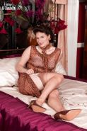 Hot milf Brianna Green in her vintage nylons and lingerie
