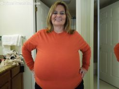 Chubby amateur Sarah unleashes her extra large breasts