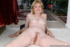 Small titted granny Lynn spreads hairy pussy #73521913