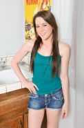 Cute girl next door amateur Ashley Shannon
