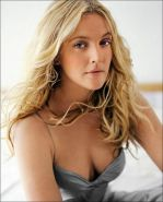 Blonde actress Drew Barrymore shows her big natural breasts