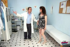 Karla hairy pussy speculum gynoexam at clinic by older doctor