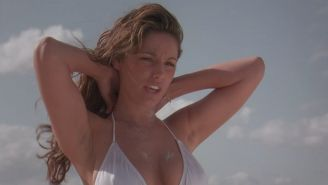 Sexy actres Kelly Brook nude at the beach