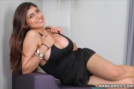 Busty Arab babe Mia Khalifa eagerly rides a huge stiff black dic