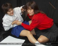 Asian teens in violent catfight