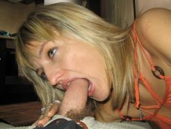 Cougar Gfs posing and fucking