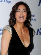 Teri Hatcher showing huge cleavage at the International Medical Corps Annual Awa