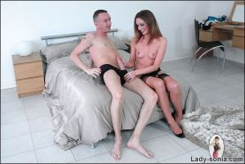 English milf cheats on her finace with a blowjob