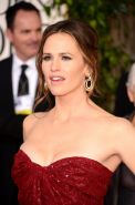 Jennifer Garner shows huge cleavage wearing a red low cut dress for 70th Annual