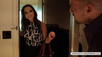 Escort Ashley Sinclair doing a guy in his hotel suite