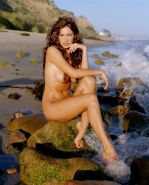 Kelly Brook showing her fully naked curvy body in time machine collection