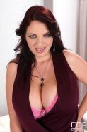 Joanna Bliss shows off her big beautiful melons